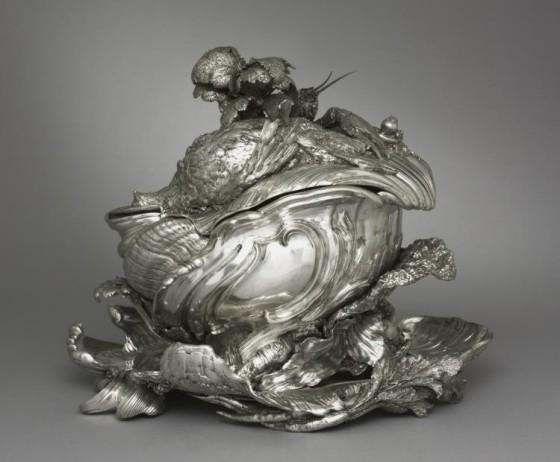 Silver Tureen composed of foliate ornaments