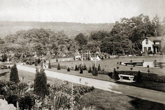 Italian sunken garden shortly after it was created, ca. 1905.